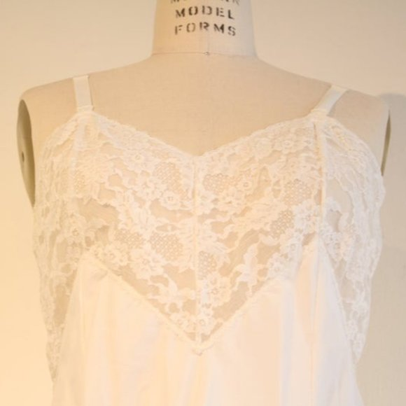 Vintage 1960's White Slip with Lace Trim